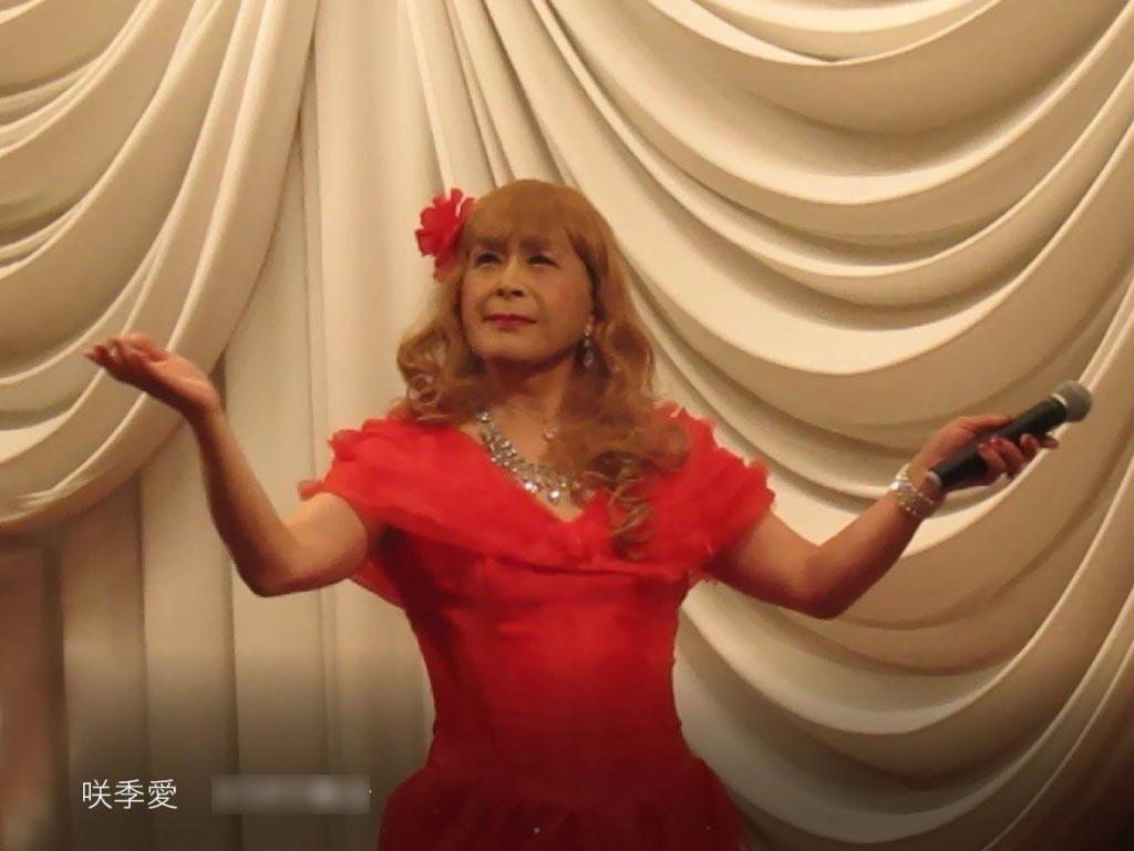 赤いドレス舞台(6)