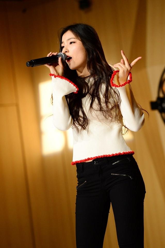 Somi-008.jpg