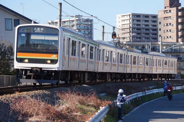 2016-12-10 八高線209系ハエ64編成 八王子行き