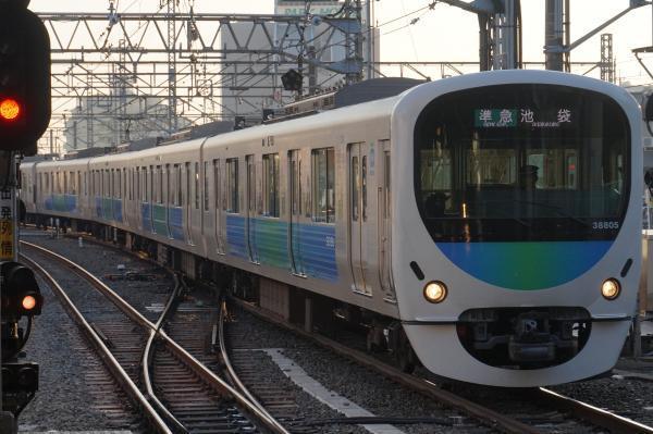 2016-12-20 西武32103F_38105F 準急池袋行き 4122レ