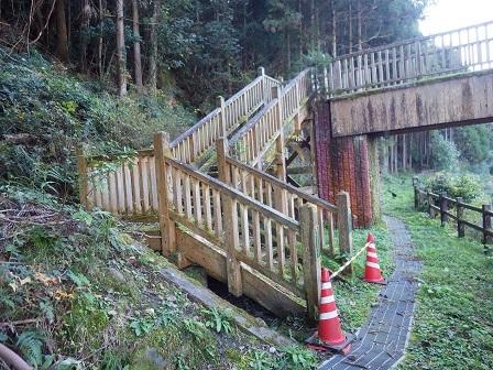 宝泉坊橋階段