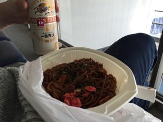 缶ビール&焼きそば