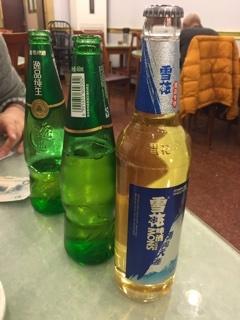 青島ビール(?)と雪花ビール(?)