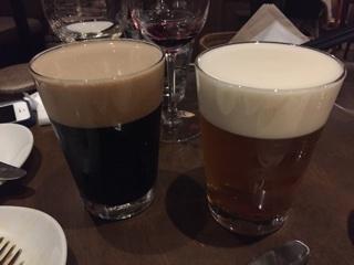 黒ビールとペールエール