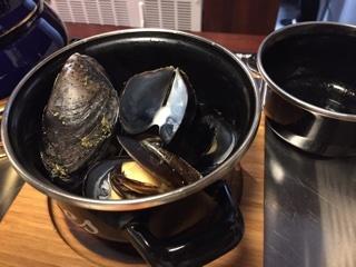 カナダ スプリングソルトアイランド産 フレッシュムール貝の白ワイン蒸し