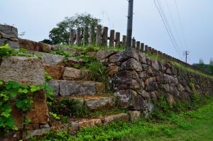 山中御殿前の石垣