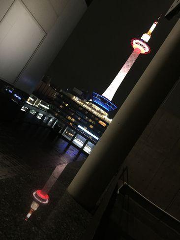 映る京都タワー_H28.09.22撮影