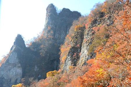 193岩々