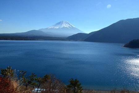 299湖越しの富士山