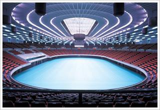 img02_320px大阪城ホール