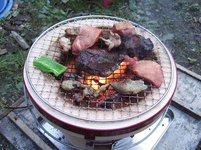 分厚い肉は火が通りにくいぞ。塊は鋏やね。