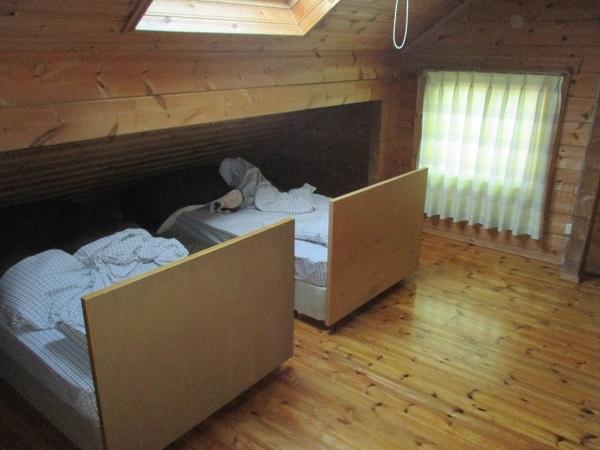 コテージ 内装 寝室