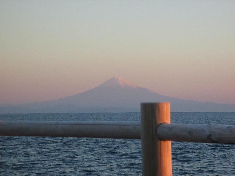 ご来光を浴びた富士山