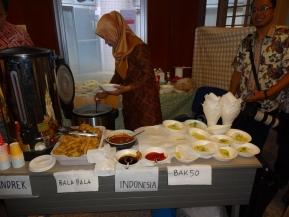各国料理も美味しく、インドネシア料理も