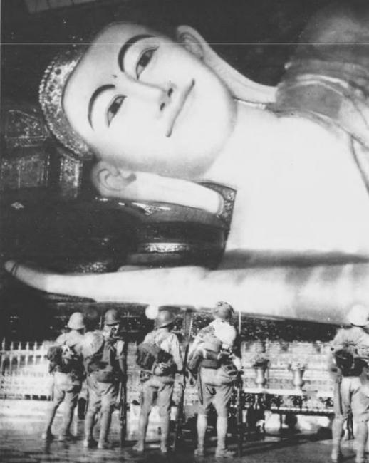 ビルマ寝釈迦1