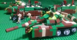 兵員輸送車と共に進む野獣号