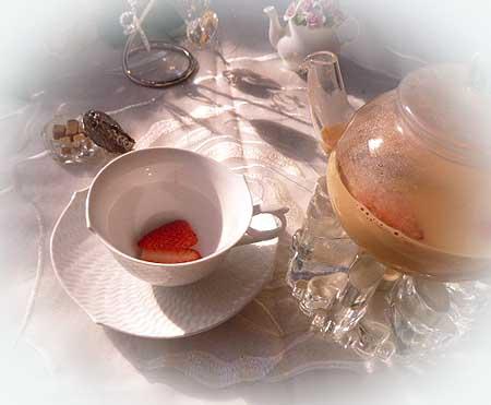 イチゴチャイミルク