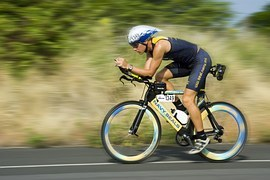 triathalon-cycling-racer-618750__180[1]