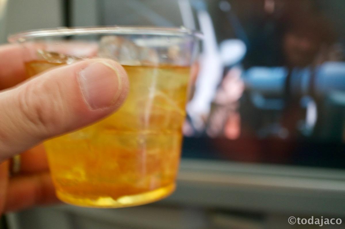 ウイスキーはロックで