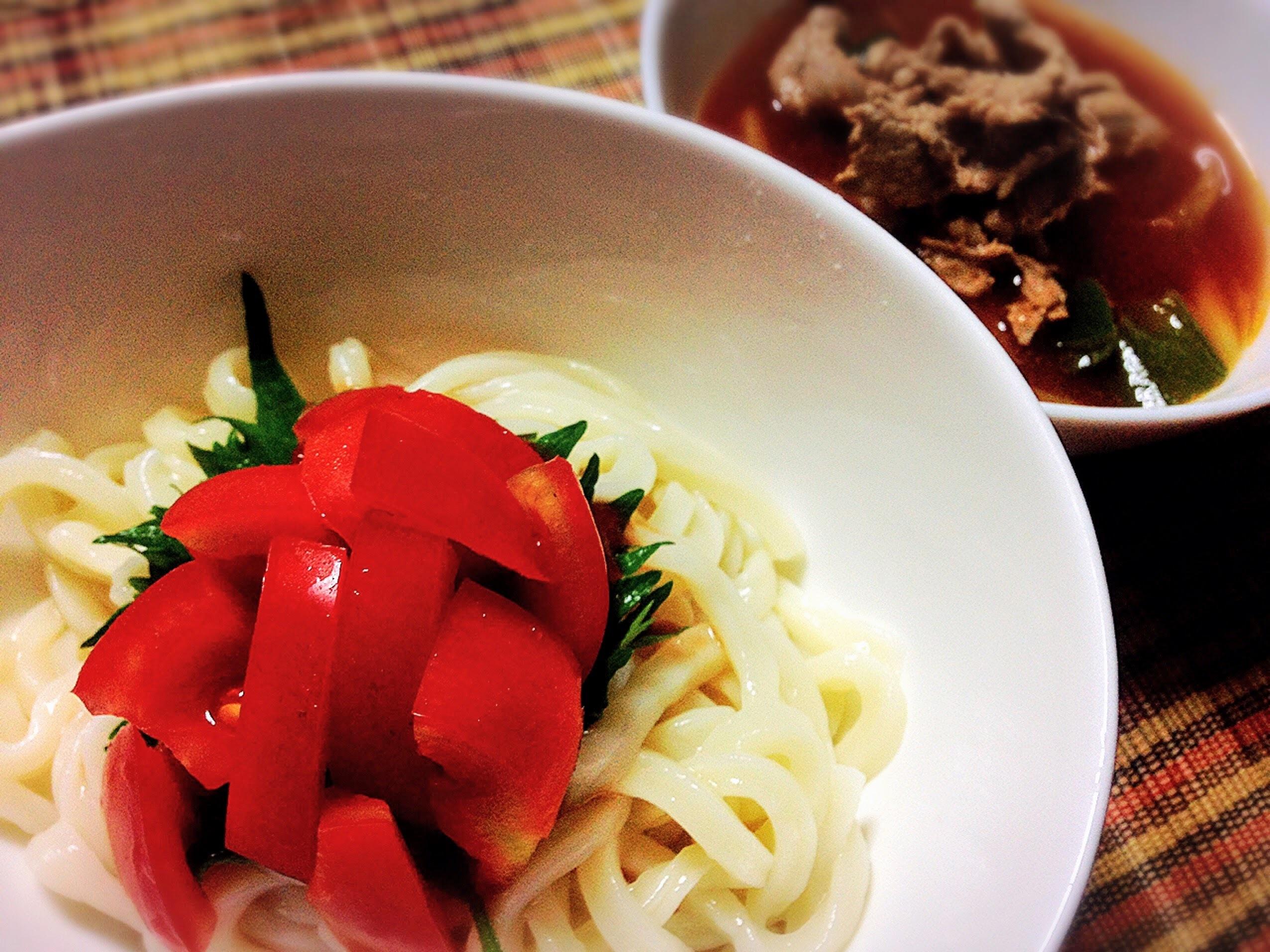 年明けうどん 紅いトマトをのせて。打ちたて生うどん調理例 麺の停車場楽麦舎@中野区新井3-6-7