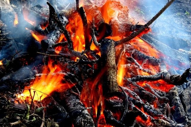 たき火1612