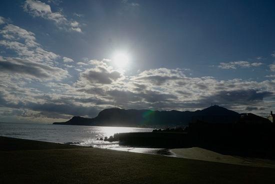 函館 大森浜 ~あそこが立待岬だよ~