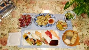 晩御飯 手作りギョーザ・お寿司・おでん