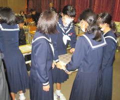 1216 通津中租税教室4