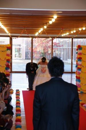 小学校での結婚式2