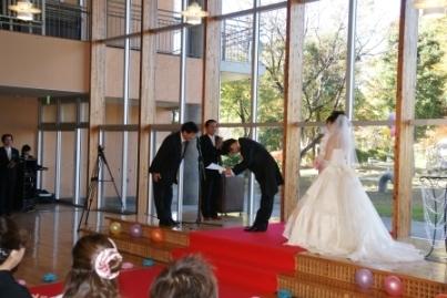 小学校での結婚式4