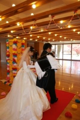 小学校での結婚式5