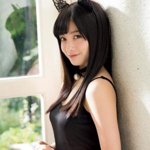 【画像】橋本環奈「ヤンマガ」グラビアで可愛すぎるネコに変身 胸元チラ見せも