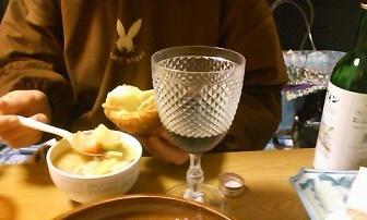 赤ワインとネギチャウダーと塩パン