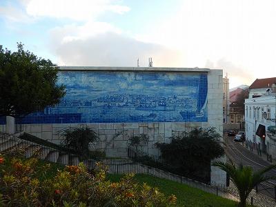 公園の壁画