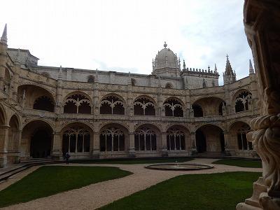 ジェロニモス修道院中庭