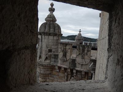 要塞の窓から