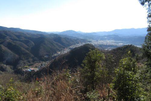 上野原市街を見下ろす