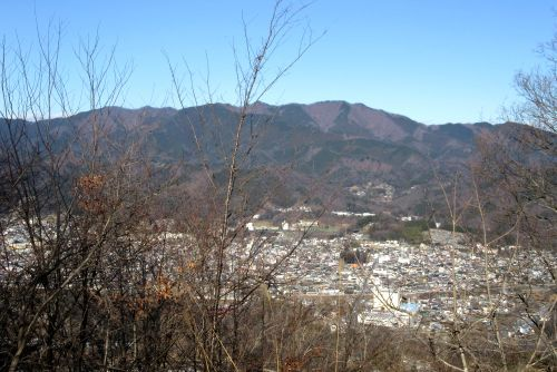 上野原市街と生藤山