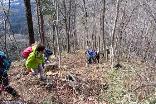 本山への登り