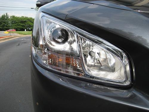 2010-Nissan-Maxima-Headlight-1.jpg