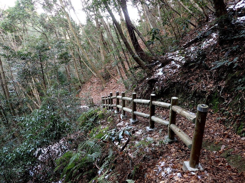 自然木フェンス
