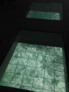 15 ガラス張りの床 勇気が必要