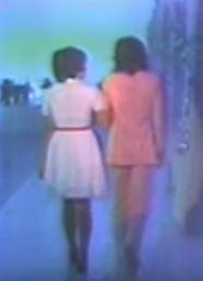沢田研二と天地真理後ろ姿1972_takamidorigaoka