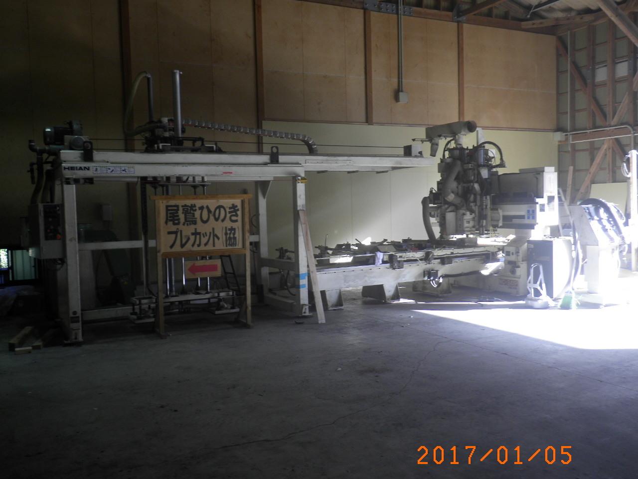 合板加工機16