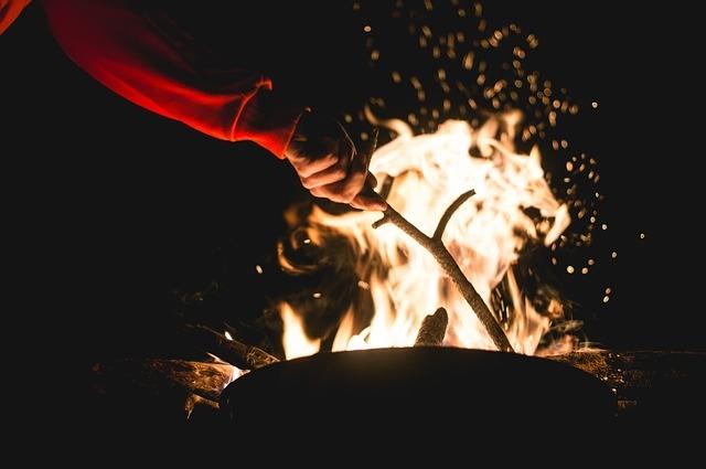 campfire-1031162_640.jpg