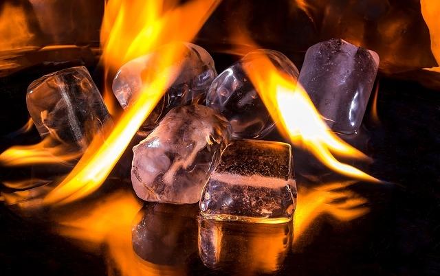 ice-cubes-1914351_640.jpg