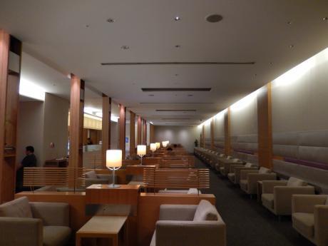 台北2016.7成田空港チャイナエアラインラウンジ