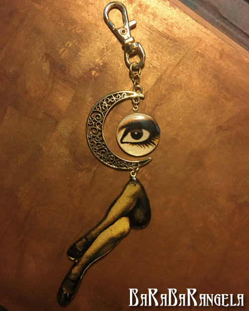 月と目と脚 表