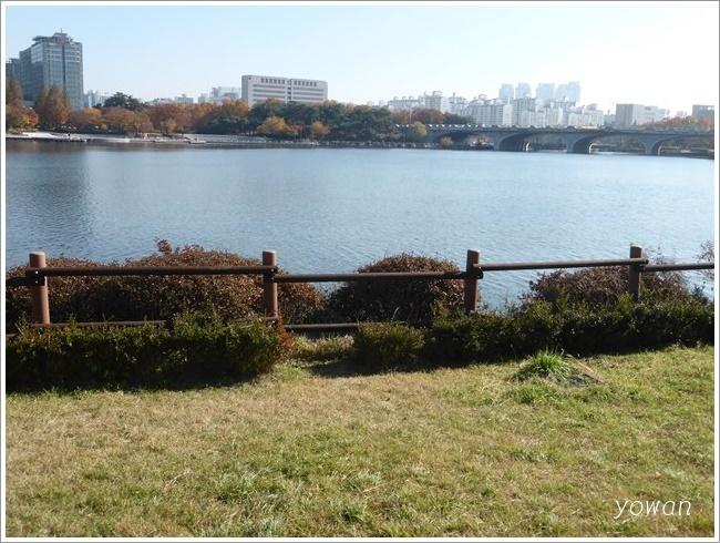 s-一山湖水公園ブランコ201611 (2)
