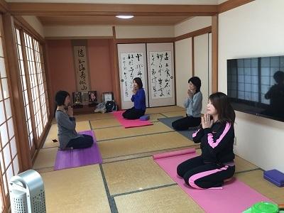 yoga2016111001.jpg
